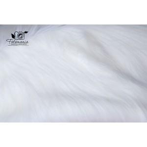 Kocyk futrzany kolor biały
